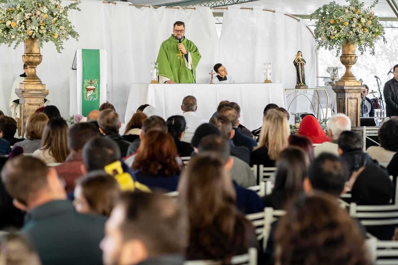 Quinelato Freios Celebra 35 Anos com Missa em Ação de Graças